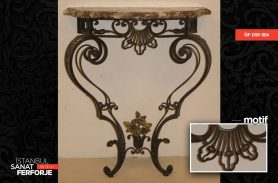 Wrought Iron Vintage Dresuar