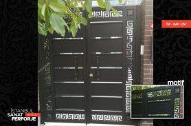 Özel TasarımSiyah Ferforje Bahçe Kapısı