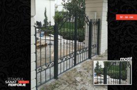 Siyah Ferforje İki Kapılı Garaj Kapısı