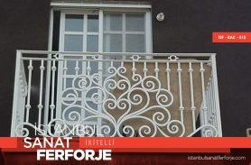 Klasik Beyaz Ferforje Balkon Korkuluğu