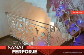 Zarif Çiçek Motifli Dövme Ferforje Merdiven Korkuluğu