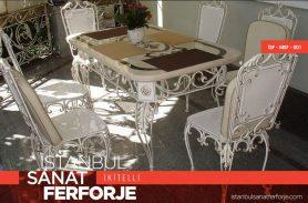 Beyaz Zarif Ferforje Masa ve Sandalyeler