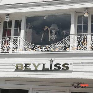 Şıklığın Temsilcisi Beyliss / Tarabya için hazırlanan Ferforje Balkon Korkuluğu