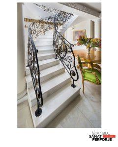 Zarif Tasarım Ferforje Merdiven Korkuluğu;