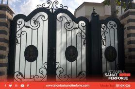 İki Kapılı Açılır, Korunaklı Ferforje Garaj Kapısı