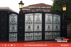 Specially Designed Villa With Night Street Lamp, Sheltered, Gold Embroidered Wrought Iron Garage Door