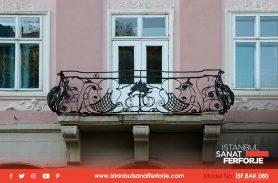 Fransız Balkon, Siyah Ferforje Korkuluğu