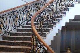 Ahşap Trabzan, Ferforje Merdiven KorkuluğU, Ağrı Doğubeyazıt Projesi